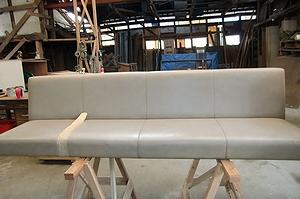 商業施設のソファー張替え例